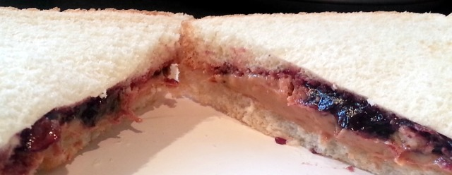 Look at the beautiful color on that grape jam, I love it!